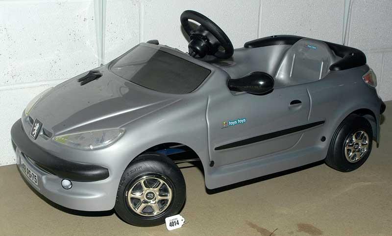 Toys Toys Peugeot 207 Child\'s Plastic Pedal Car - grey plastic ...