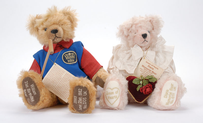 Hermann-Spielwaren pair of Royal themed teddy bears  (1) Queen of Hearts  Diana Memorial bear 35a62ac8a