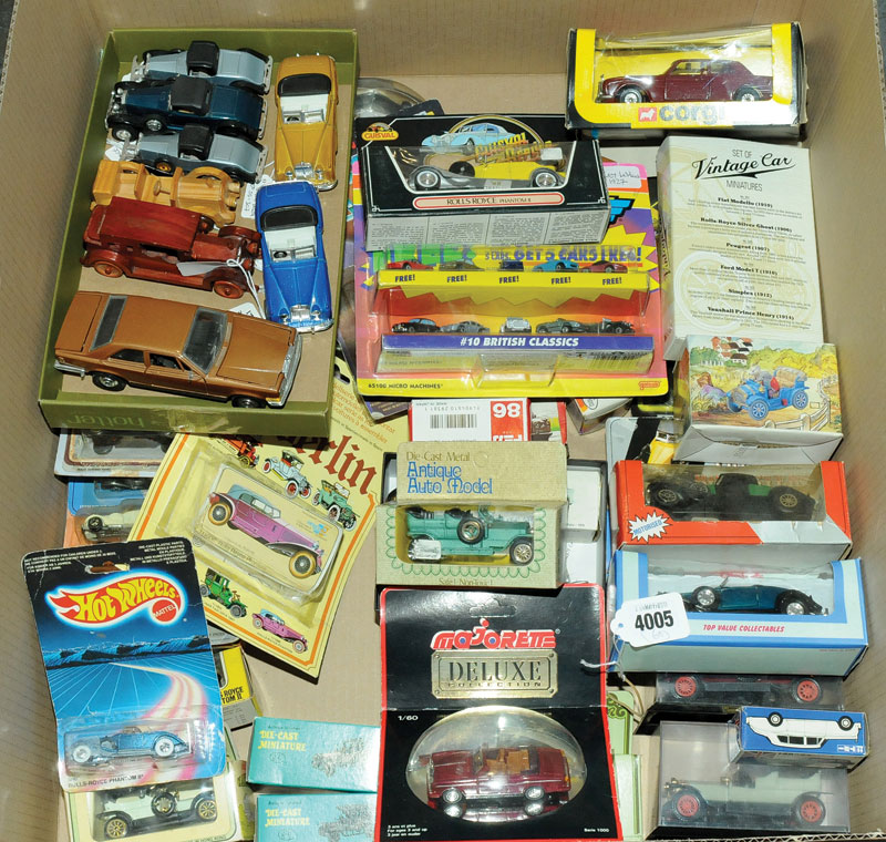Corgi, Guisval, Eko, Espewe, Tomy and similar a mixed boxed and unboxed car group consisting mainly of Rolls Royce and Bentley vehicles