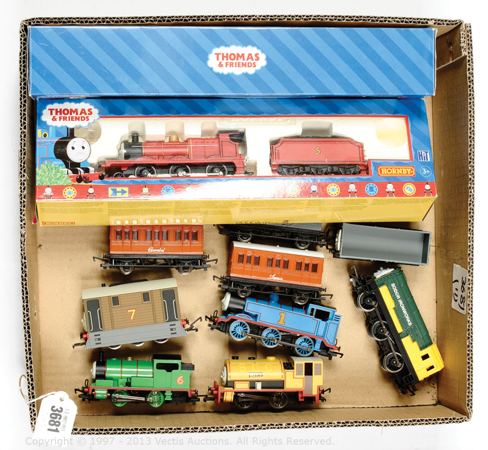 Hornby OO Gauge A Collection Of Thomas And Friends Items