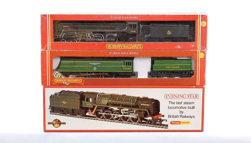 Hornby Railways a trio of Steam Locos comprising R374 4-6-2 Southern malachite green Streamlined Battle of Britain Class No