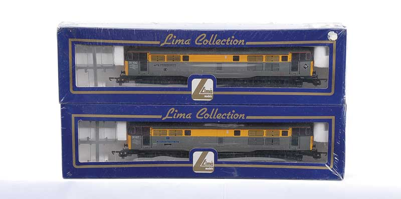 """OO Gauge Lima 4637 (Limited Edition) a pair of A1A-A1A Dutch grey and yellow livery Class 31 Diesel Locos comprising 31106 """"The Black Countryman"""" and 31107 John H"""