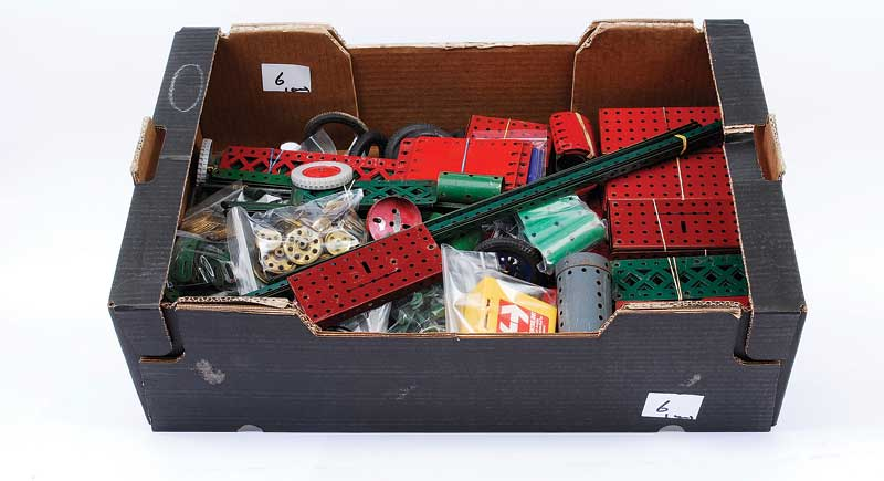 Meccano 1920s - 1950s red and green Components consisting of 18
