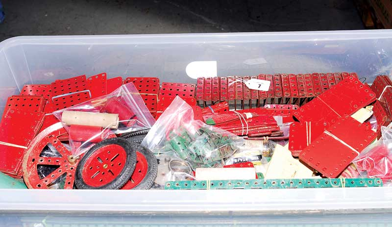 Meccano 1920s to 1950s red and green Components including 18